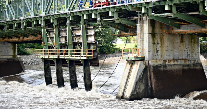 New York State Canal Corporation preemptively lifted its movable dams at Lock 9
