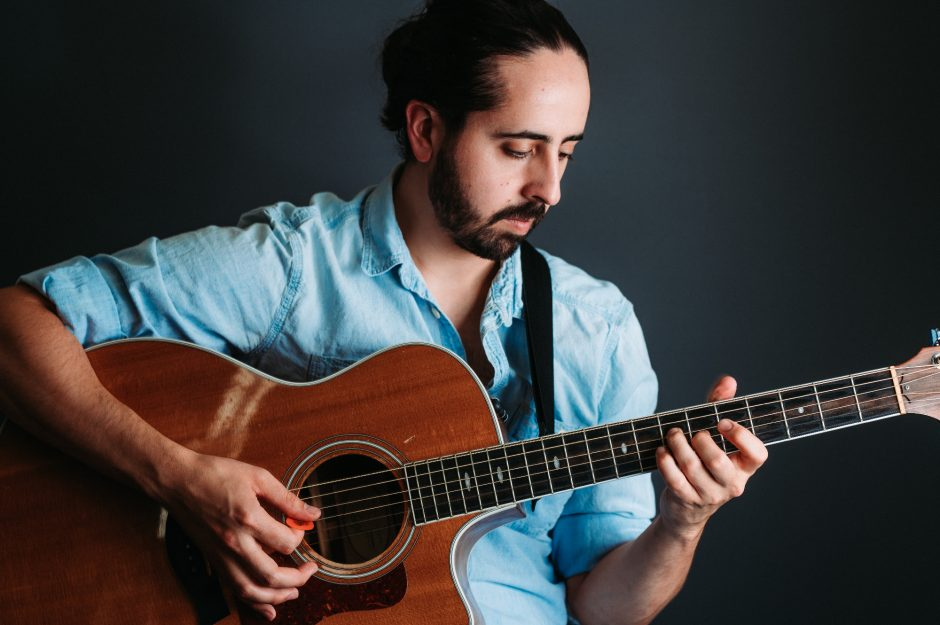 Justin Friello plays The Linda on Sept. 9. (photo provided)