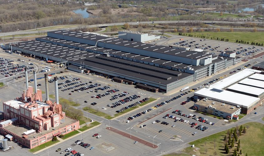 The massive Building 273 is the main manufacturing plant at General Electric's Schenectady-Rotterdam campus.