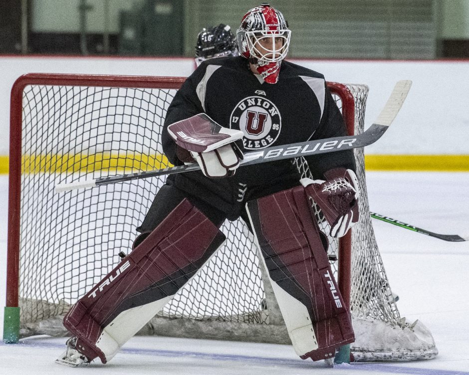 Union junior goalie Connor Murphy stopped 37 shots in the Dutchmen's 4-1 loss to New Hampshire on Friday in Durham, N.H.